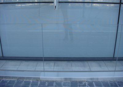 Barandilla acero y cristal (foto 1)