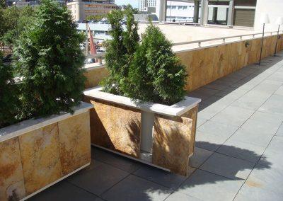 Jardineras Móviles Forradas de Piedar (2)