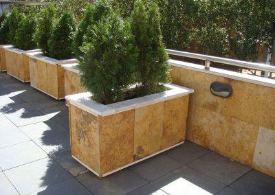 Jardineras Forradas de Piedra